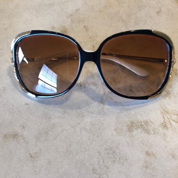 910e31150bb Oakley Accessories - Oakley Sunglasses